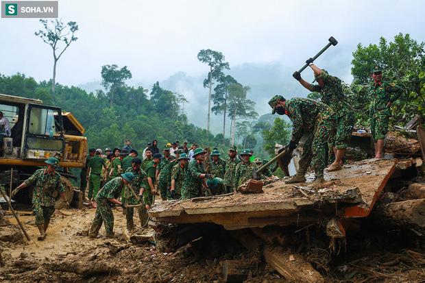 Những thứ còn sót lại dưới đống hoang tàn ở vụ sạt lở Trà Leng sau 48 giờ tìm kiếm-1