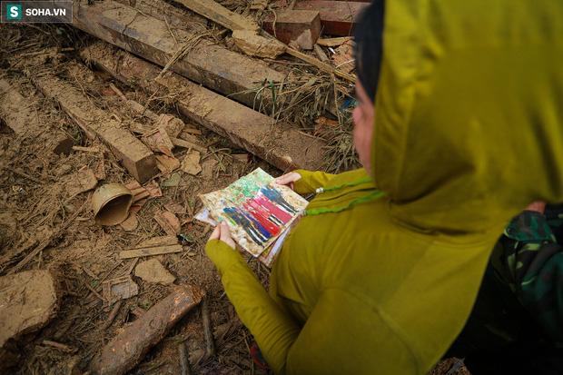 Những thứ còn sót lại dưới đống hoang tàn ở vụ sạt lở Trà Leng sau 48 giờ tìm kiếm-13