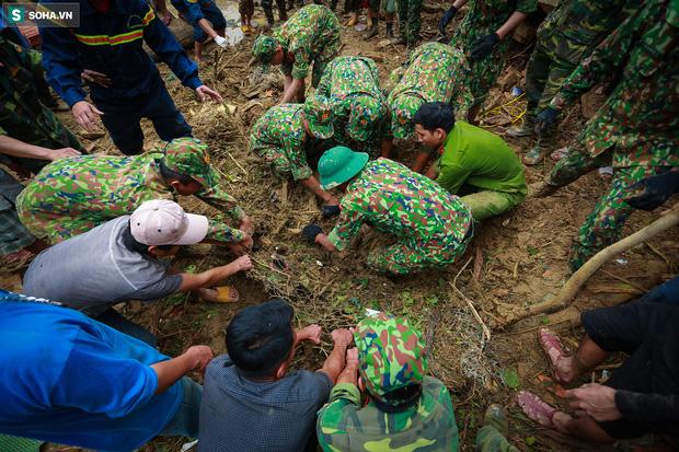 Những thứ còn sót lại dưới đống hoang tàn ở vụ sạt lở Trà Leng sau 48 giờ tìm kiếm-17