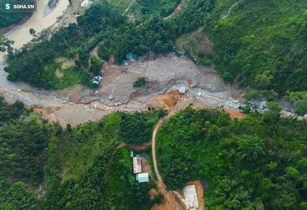 Những thứ còn sót lại dưới đống hoang tàn ở vụ sạt lở Trà Leng sau 48 giờ tìm kiếm-20