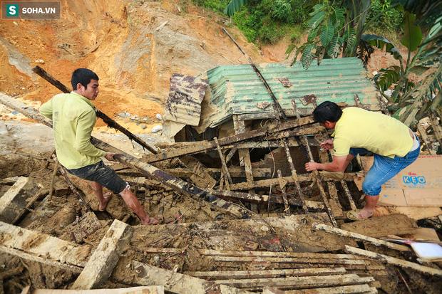 Những thứ còn sót lại dưới đống hoang tàn ở vụ sạt lở Trà Leng sau 48 giờ tìm kiếm-5