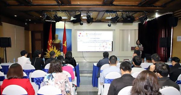 Khai giảng lớp Bồi dưỡng kỹ năng thông tin và truyền thông của ngành VHTTDL