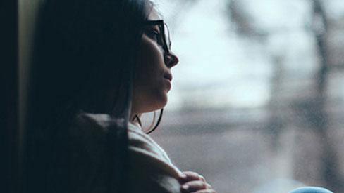 Từ vụ tự tử chung cư Hoàng Anh Thanh Bình: Chị em phụ nữ cần cảnh giác cao độ với chứng bệnh trầm cảm!