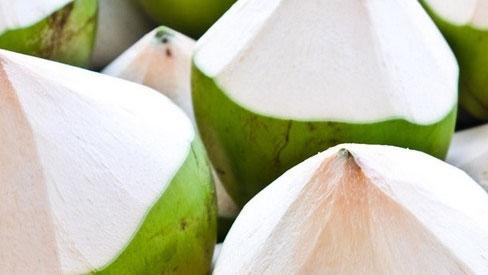 5 loại quả giá rẻ mà bác sĩ khuyên phụ nữ nên ăn nhiều để loại bỏ dầu nhờn trên mặ