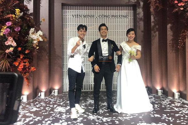 Khoảnh khắc Viên Minh xả vai cô dâu, ngồi bệt xuống cạnh Công Phượng sau đám cưới thấy vừa thương vừa hài-3