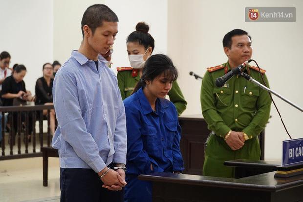 Nữ bị cáo bạo hành con 3 tuổi đến chết quỳ sụp xuống đất, cầu mong mẹ xin giảm án cho chồng: Chẳng còn ý nghĩa gì nữa khi chồng con chết-1