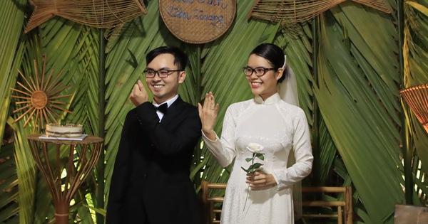 Đám cưới không rượu không nhạc ở Hội An, khách đến không phải mừng tiền và chiếc nhẫn đặc biệt của chú rể