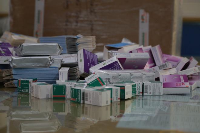 Hà Nội: Phát hiện số lượng lớn thuốc tân dược được mua trôi nổi trên Facebook, chuẩn bị tuồn vào các hiệu thuốc-3