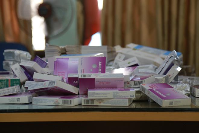 Hà Nội: Phát hiện số lượng lớn thuốc tân dược được mua trôi nổi trên Facebook, chuẩn bị tuồn vào các hiệu thuốc-4
