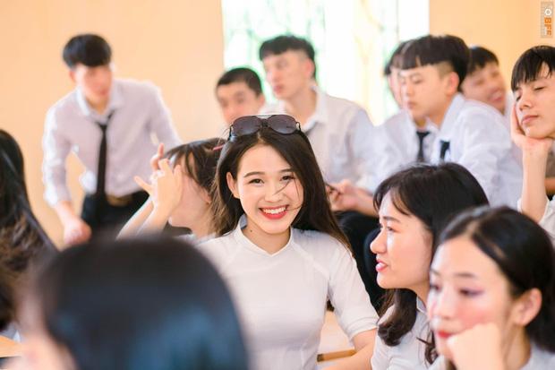 Hành trình nhan sắc thay đổi chóng mặt của Hoa hậu Đỗ Thị Hà từ cấp 1 cho đến lúc lên Đại học-4