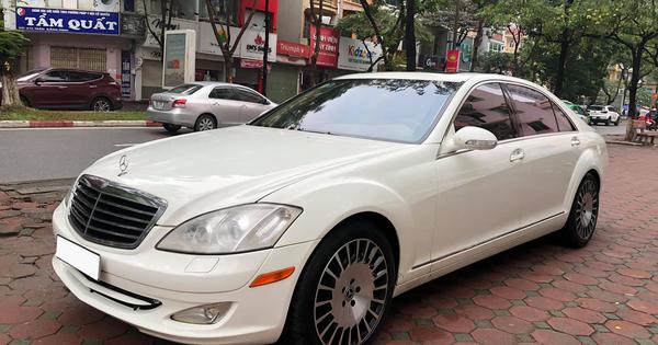 Độ kiểu Maybach, Mercedes-Benz S 550 cũ vẫn có giá rẻ hơn Toyota Corolla Altis cả chục triệu đồng