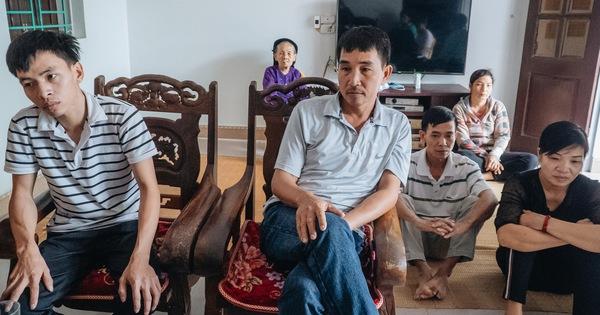Hà Nội: Gia đình đau xót lên tiếng vụ bé trai 15 tháng tuổi sùi bọt mép trên tay mẹ rồi tử vong sau mũi tiêm