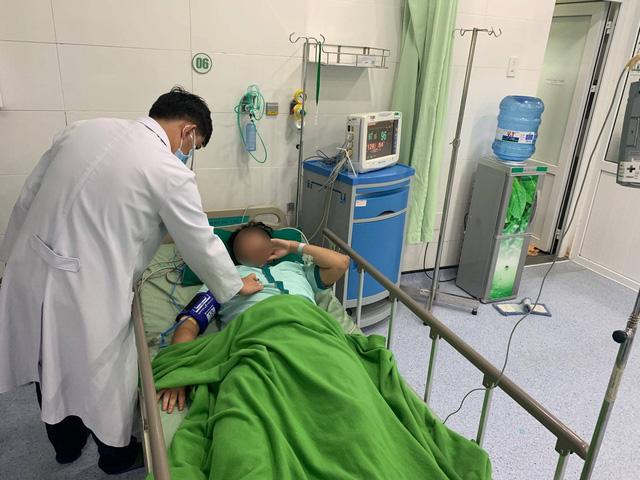 40 phút nghẹt thở cứu sống nam bệnh nhân bị nhồi máu cơ tim cấp -4