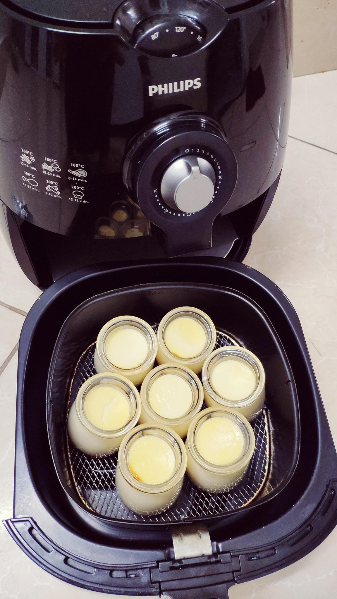 Rộ cách làm flan bằng nồi chiên không dầu: Mềm mịn thơm ngon mà không lo bị rỗ như hấp cách thủy-12