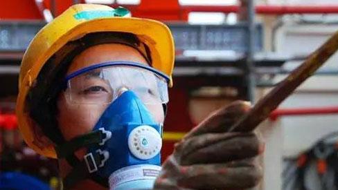 Người đàn ông mắc ung thư phổi sau 5 năm đi làm: Cảnh báo 6 việc dễ