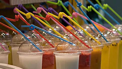 Con trai mới 12 tuổi đã mắc bệnh gút, nguyên nhân là do cha mẹ quá chiều chuộng cho con uống nhiều loại nước này