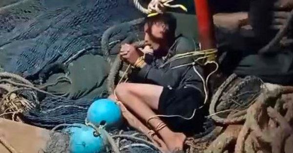 Vụ thuyền trưởng bị tố chém và đẩy 4 ngư phủ xuống biển: Công an khẳng định là tin hoang báo