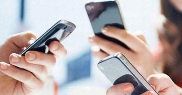 Chính phủ yêu cầu có hướng dẫn việc học sinh sử dụng điện thoại trong giờ học