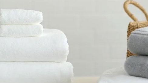 Nhân viên khách sạn không bao giờ tiết lộ: Không phải bột giặt, đây mới là thứ giúp khăn tắm trắng sạch, thơm lâu