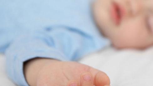Trẻ dễ đột tử vào mùa lạnh do thói quen sai lầm của cha mẹ