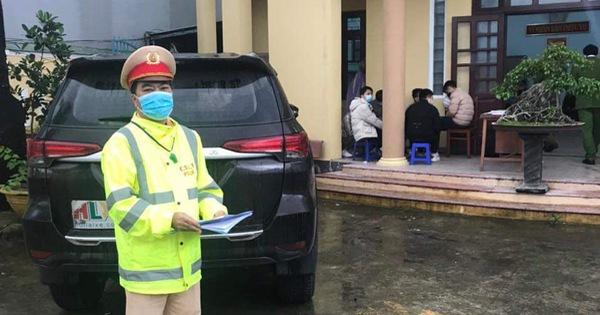 Phát hiện xe 7 chỗ chở 6 người Trung Quốc nghi nhập cảnh trái phép vào Việt Nam