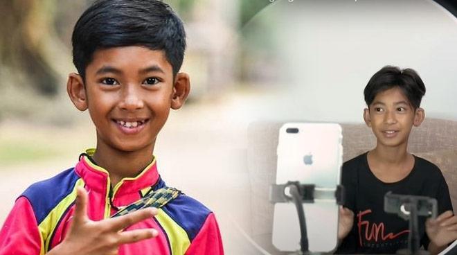 Cậu bé bán hàng rong thạo 16 ngoại ngữ: 2 năm đổi đời, ước mơ làm ngôi sao
