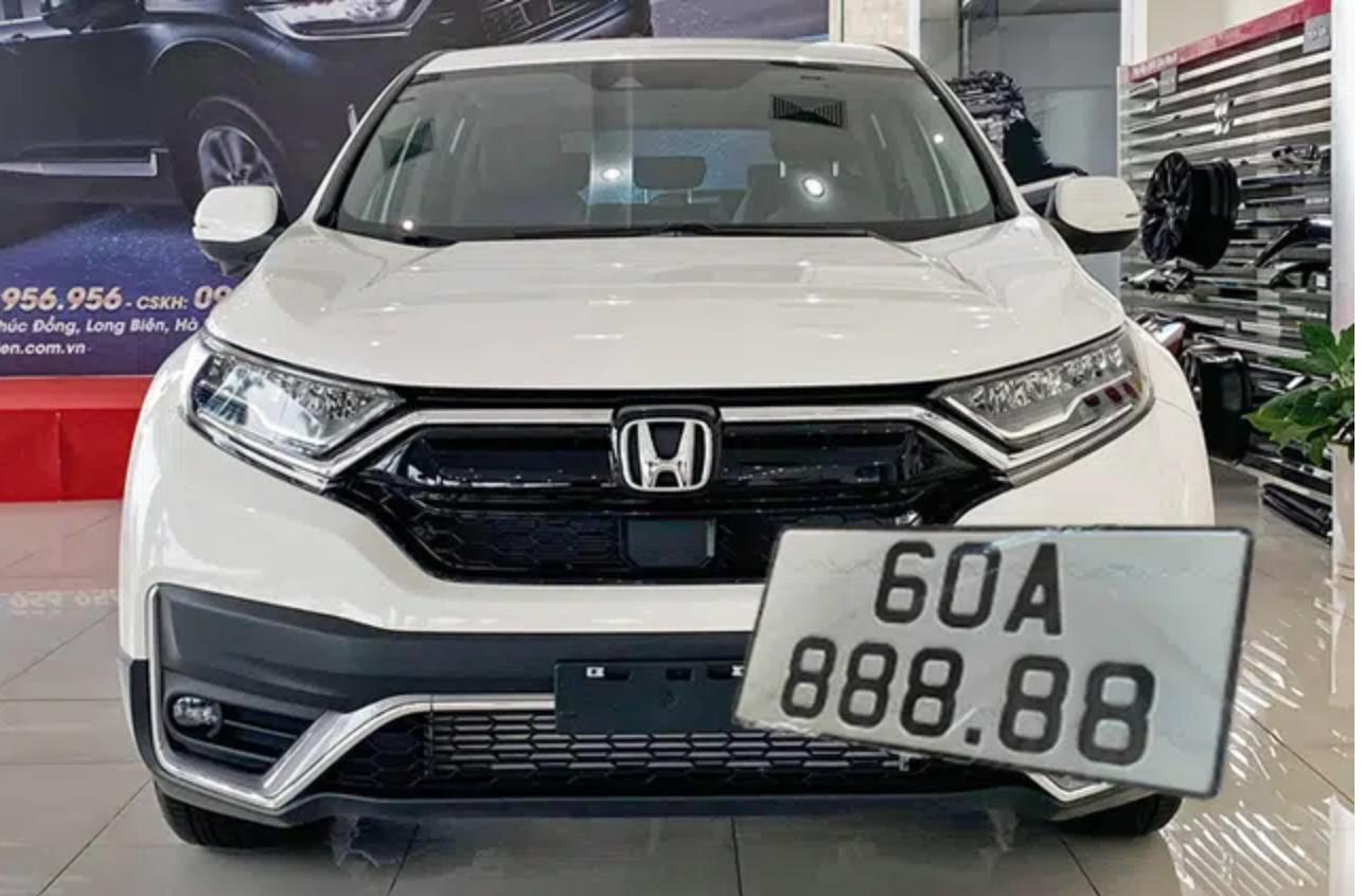Honda CR-V 2020 bốc được biển số siêu đẹp, dân mạng chờ giá rao bán lại