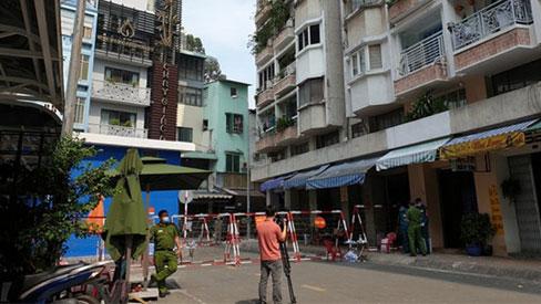 TP.HCM: Phong tỏa chung cư có trường hợp nghi nhiễm Covid-19, liên quan đến BN1440 ở Vĩnh Long