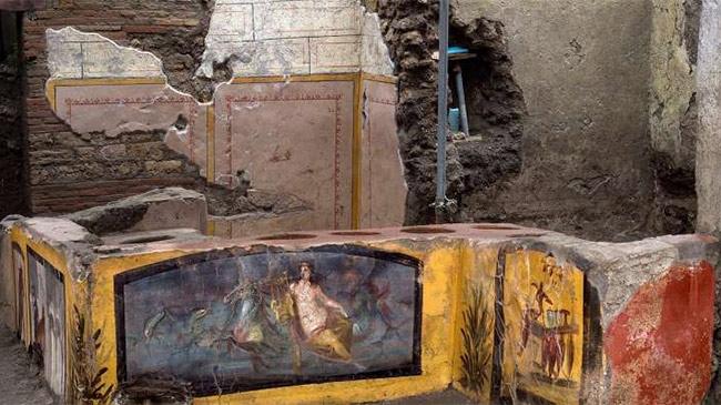 Khai quật nhà hàng thức ăn nhanh 2.000 năm tuổi bị chôn vùi ở Italia