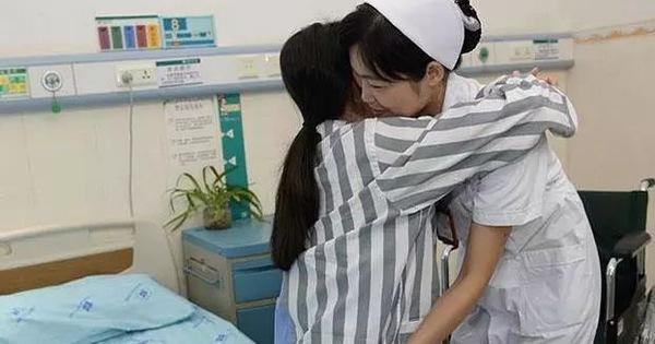 Thiếu nữ 17 tuổi bị suy thận, phải lọc máu suốt đời vì duy trì 3 thói quen xấu