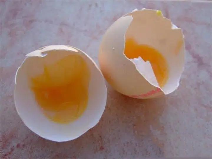4 kiểu trứng hỏng gây hại cho sức khỏe nhưng nhiều người vẫn tiếc rẻ mà cố ăn-2