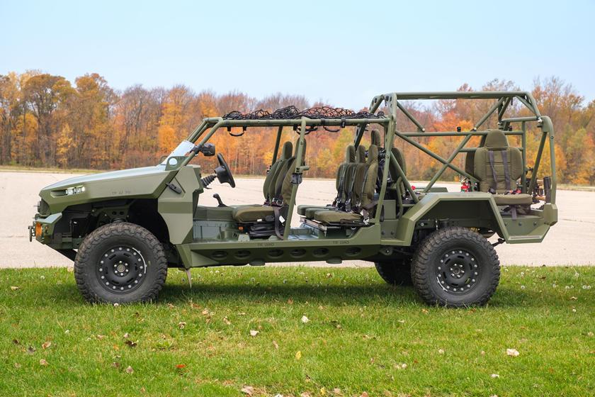 ISV - Bán tải Colorado phiên bản quân sự, 9 chỗ, giá quy đổi hơn 2,3 tỷ đồng-1
