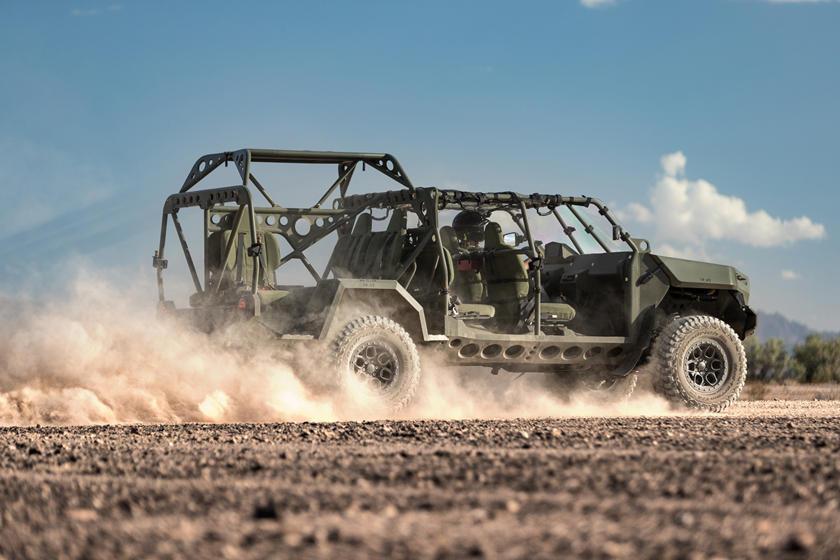 ISV - Bán tải Colorado phiên bản quân sự, 9 chỗ, giá quy đổi hơn 2,3 tỷ đồng-5