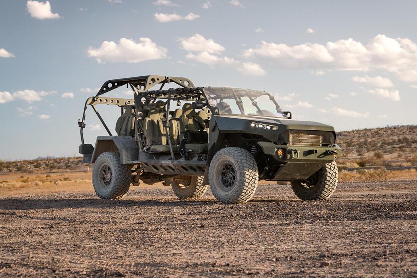 ISV - Bán tải Colorado phiên bản quân sự, 9 chỗ, giá quy đổi hơn 2,3 tỷ đồng-4