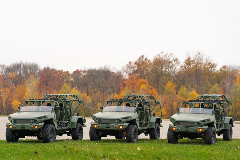 ISV - Bán tải Colorado phiên bản quân sự, 9 chỗ, giá quy đổi hơn 2,3 tỷ đồng-3