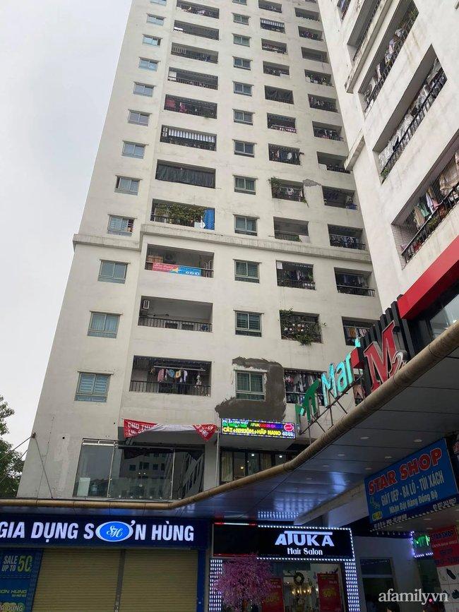 Hà Nội: Người đàn ông rơi từ tầng 15 chung cư HH Linh Đàm xuống đất tử vong, người thân khóc ngất bên thi thể-3