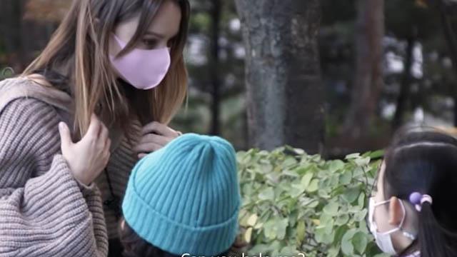 Trẻ em Hàn Quốc phản ứng thế nào khi được người nước ngoài nhờ giúp đỡ