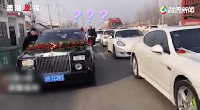 Màn rước dâu đón 1 về 3, tặng kèm thêm chục phù dâu và 22 xe cưới khiến chú rể hoang mang tột độ, dân mạng lại được phen cười bò-1