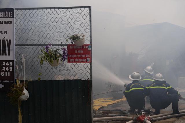 Hà Nội: Cháy khu nhà lán trọ cạnh chung cư Xa La-1