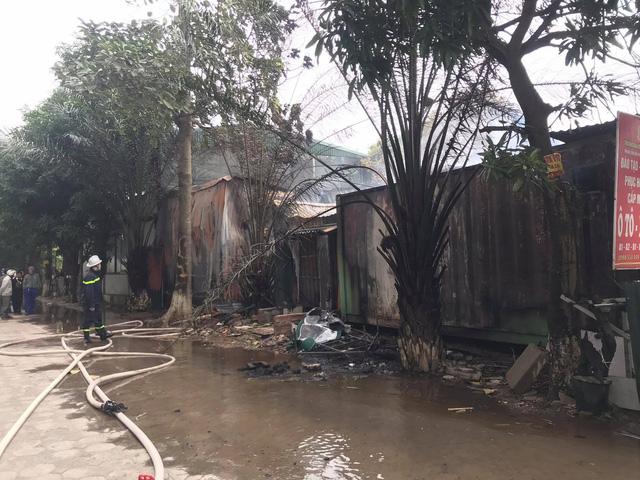 Hà Nội: Cháy khu nhà lán trọ cạnh chung cư Xa La-3