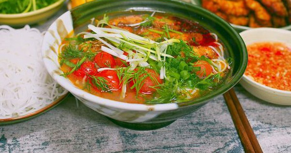 Mẹ Việt ở Nhật chia sẻ cách làm bún cá chấm ngon sạch hơn tiệm là cái chắc!