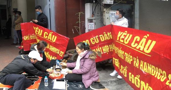 Bỏ tiền tỷ mua nhà Hà Nội nhưng không được nhập khẩu, khốn khổ đi đòi quyền lợi thì chủ đầu tư phớt lờ, dân lo