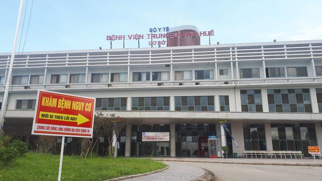 Bệnh viện Trung ương Huế tiếp nhận điều trị nhiều bệnh nhân Lào trong đại dịch Covid-19-2