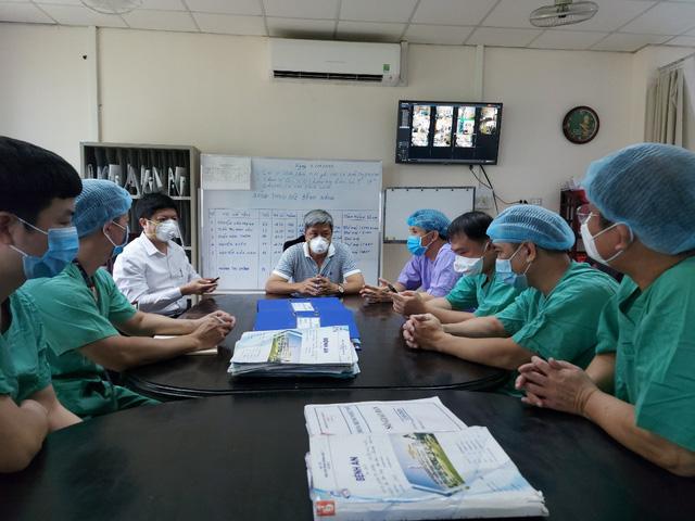 Bệnh viện Trung ương Huế tiếp nhận điều trị nhiều bệnh nhân Lào trong đại dịch Covid-19-3