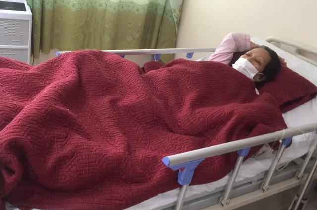 Bệnh viện Trung ương Huế tiếp nhận điều trị nhiều bệnh nhân Lào trong đại dịch Covid-19-4