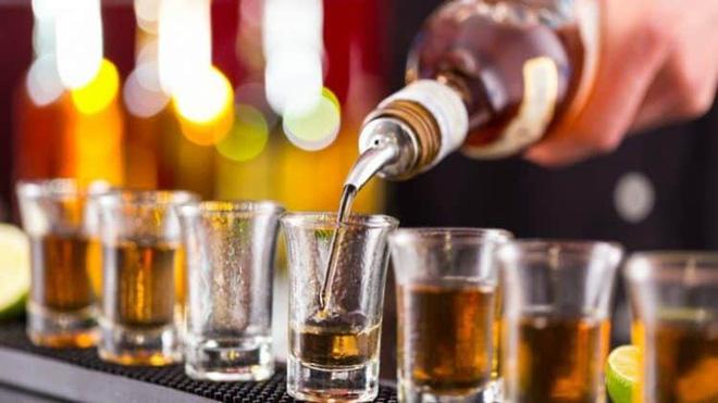 Nghiên cứu tiết lộ: Uống rượu gây thiếu vitamin B1, dẫn đến căn bệnh nguy hiểm khi có tuổi-1
