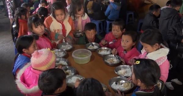Hàng nghìn học sinh vùng cao có nguy cơ đứt bữa do không còn chính sách hỗ trợ