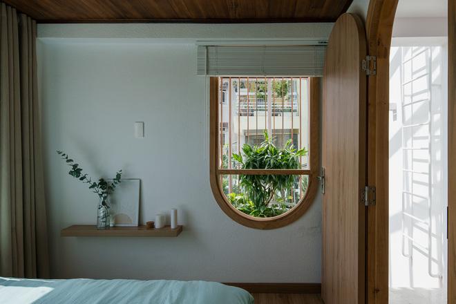 Lên Đà Lạt, cặp vợ chồng Sài Gòn xây ngôi nhà trắng tinh khôi theo phong cách nắng xuyên qua kẽ lá-14