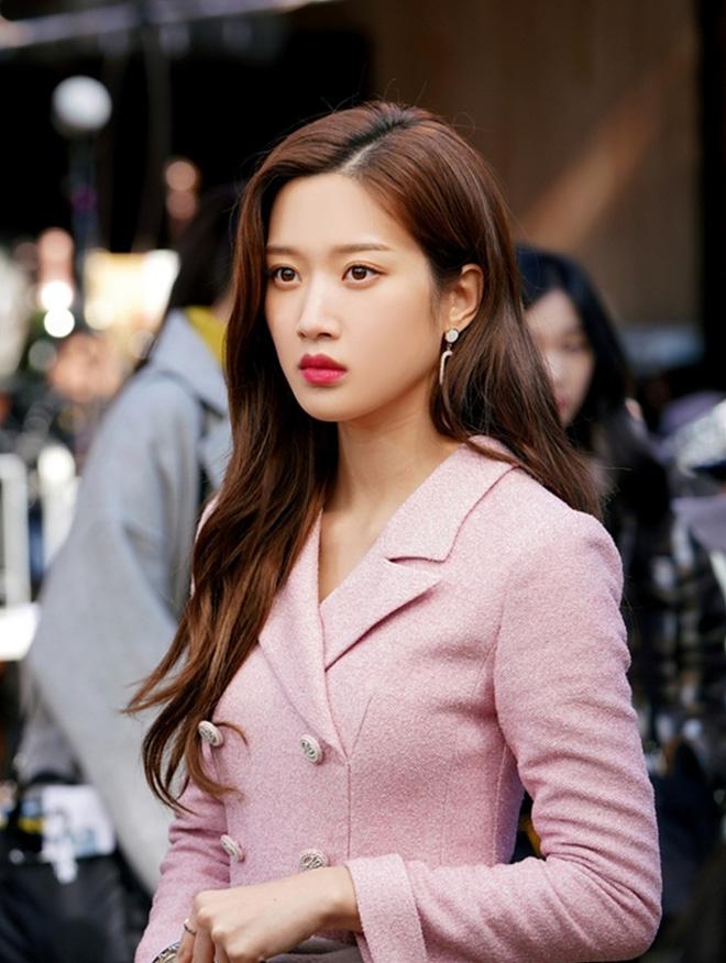 Nữ diễn viên số hưởng đánh bại cả Jisoo (BLACKPINK): Thạo 3 ngôn ngữ, đỗ đại học nổi tiếng bậc nhất Hàn Quốc-2