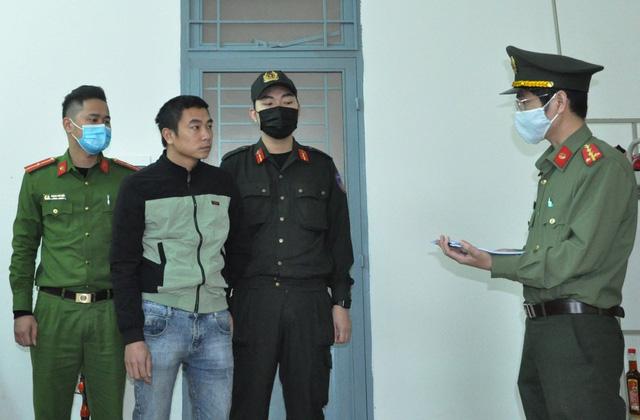 Bắt giam 2 tài xế nhận chở người Trung Quốc nhập cảnh trái phép-2